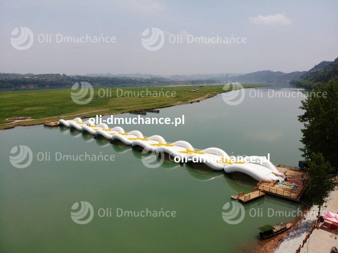 Dmuchany Most na wodzie